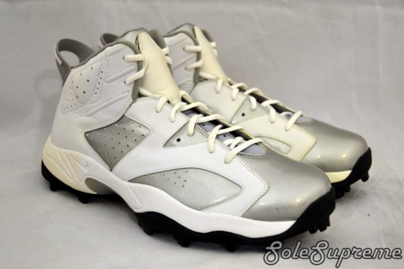 Warren Sapps Air Jordan VI Oakland Raiders Turf Trainers