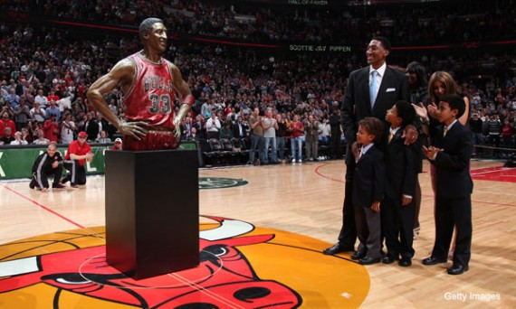 Michael Jordan Teammate Scottie Pippen Honored With Statue At United Center