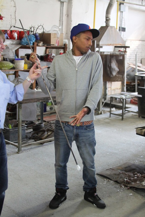 Pharrell Wearing Air Jordan V Raging Bull 3M