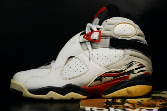 Air Jordan VIII Original: White   Black   True Red