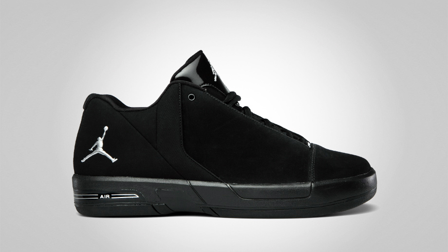 43ade272f25993 As part of Jordan Brand s July 2011 catalog they are coming strong with the  on-court footwear. The Jordan BCT Mid and Jordan TE 3 Low are geared toward  ...