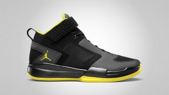 304f5cfbbe0d58 The Jordan BCT Mid is a shoe that seeks to reinterpret the staples of Air  Jordan design for cross-training purposes