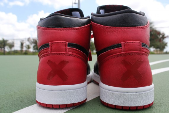 Air Jordan 1 Banned: Hit Outlets Today