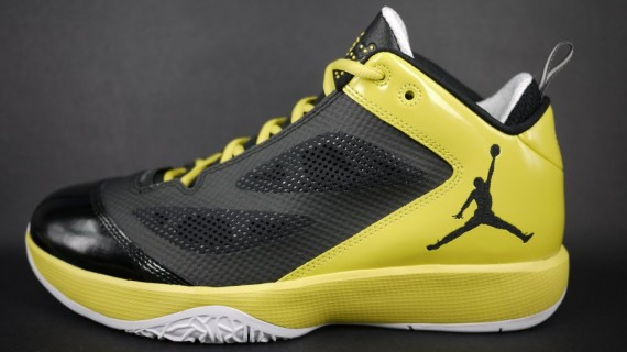 Air Jordan 2011 Q Flight: Black/High Voltage