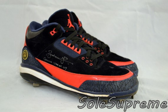 Andruw Jones Game Used Air Jordan III Cleats