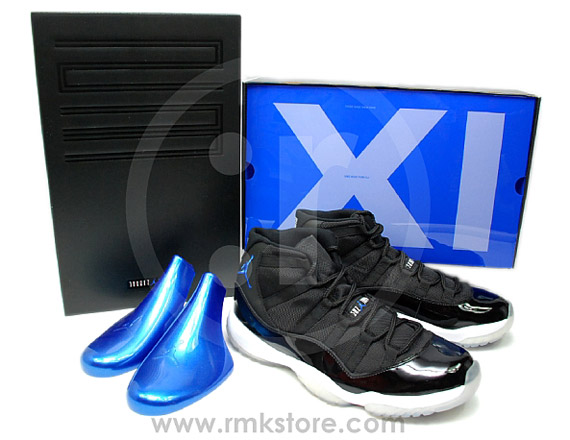 Air Jordan XI: Space Jam   Re Release