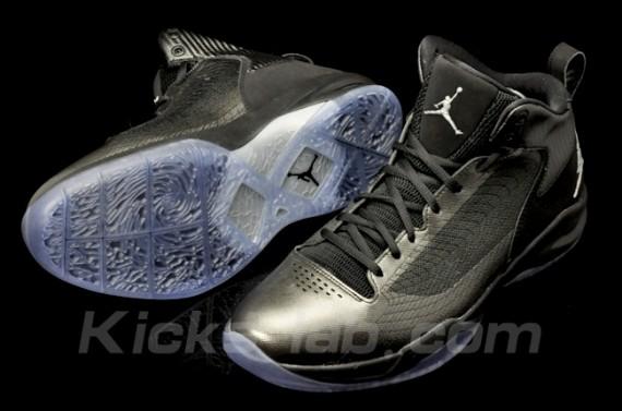 Jordan Fly 23: Black/Silver