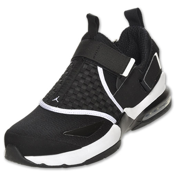 Jordan Trunner LX 11: Black/White