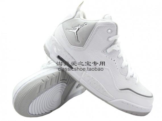 Jordan Courtside: White / White