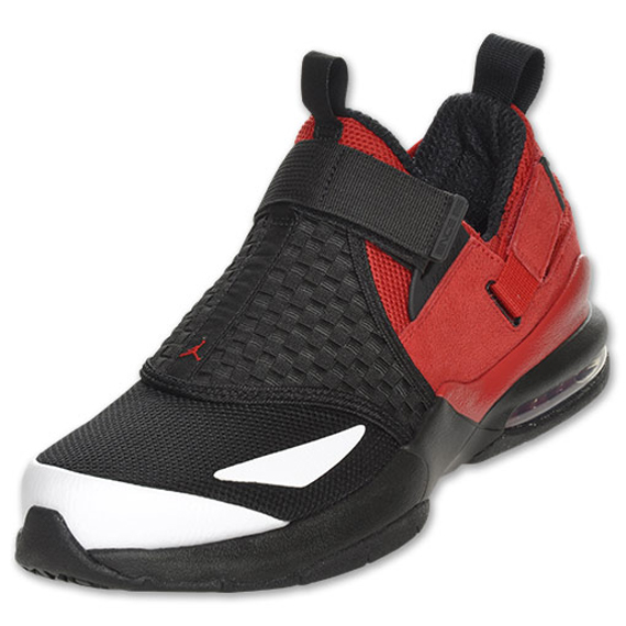 Jordan Trunner LX 11: Black / Varsity Red