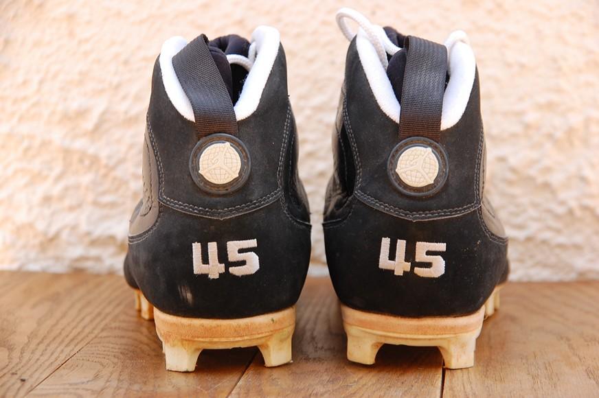 d837af766 ... Air Jordan IX Cleat Michael Jordan Game Worn - Air Jordans
