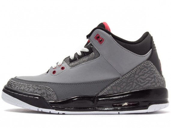 Air Jordan III GS: Stealth   Available in Japan