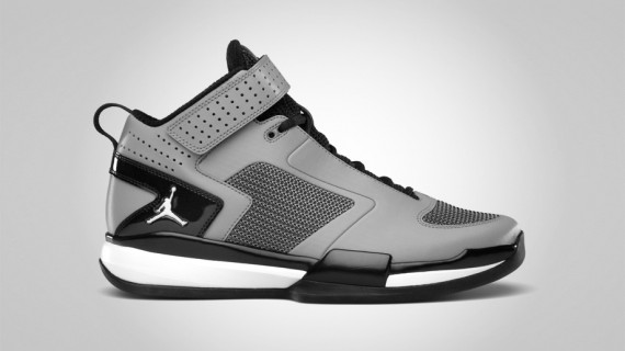 d6c5f29934db27 The Jordan BCT Mid  Stealth  was previewed in Jordan Brand s September 2011  footwear release catalog and we now get a better look at the training shoe  from ...