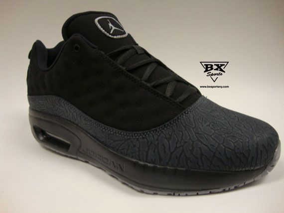 Jordan CMFT Viz Air 13: Black – Metallic Silver – Stealth