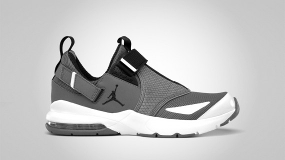 Jordan Trunner 11 LX: Cool Grey