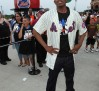 nick-cannon-world-record-for-hugging-15