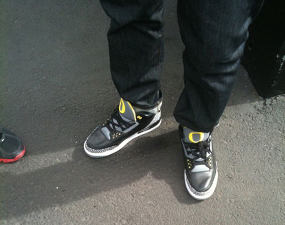 Air Jordan III: Oregon Away   On Foot Images