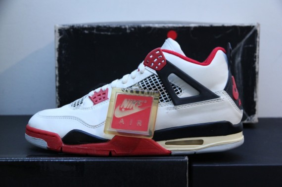 Air Jordan IV: OG 1989 Fire Red