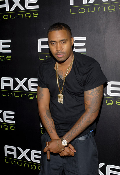 Nas Wears Air Jordan XI Black/Varsity