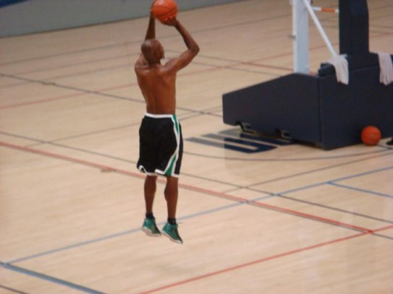 Ray Allen Wears Air Jordan 2011 Q Flight PE