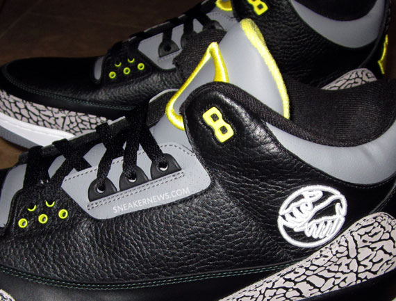 Air Jordan III: Oregon Pit Crew   Release Information