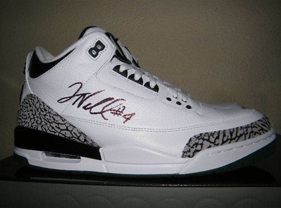 Air Jordan III: Oregon Ducks   White   Available on eBay