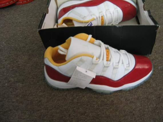 Air Jordan XI Low: Houston Sample