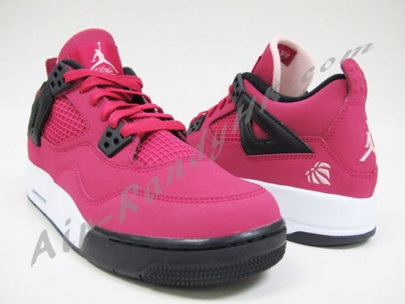 Air Jordan IV GS: Voltage Cherry 