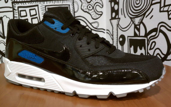 Nike Air Max 90: Space Jam Homage