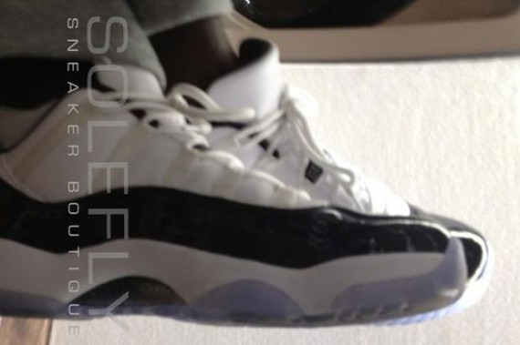 Air Jordan XI Low: Concord Sample