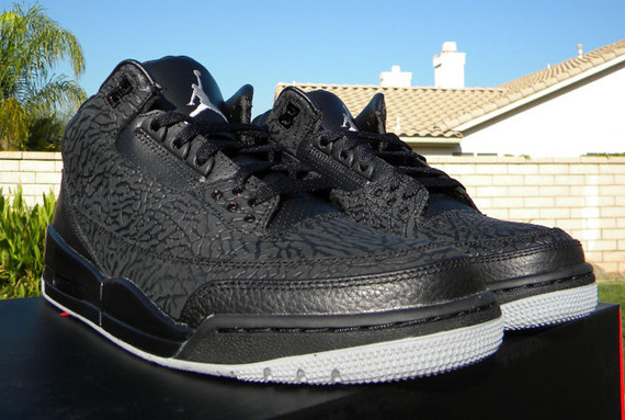 Air Jordan III: Black Flip   Release Reminder