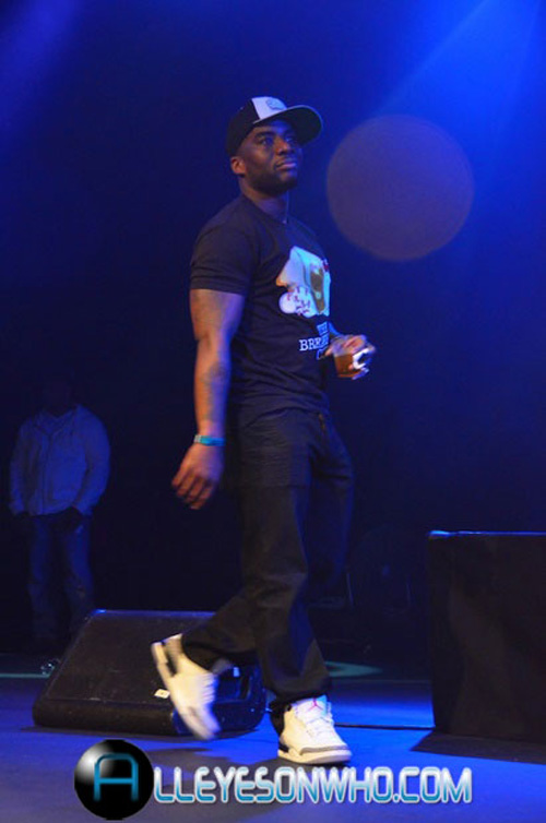celebrity-feet-ej-envy-charlamagne-tha-god-power-105-event-5