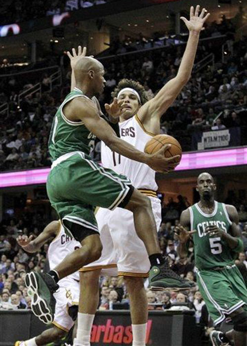 NBA Jordans On Court: Ray Allen Wears Air Jordan XIII Away PE