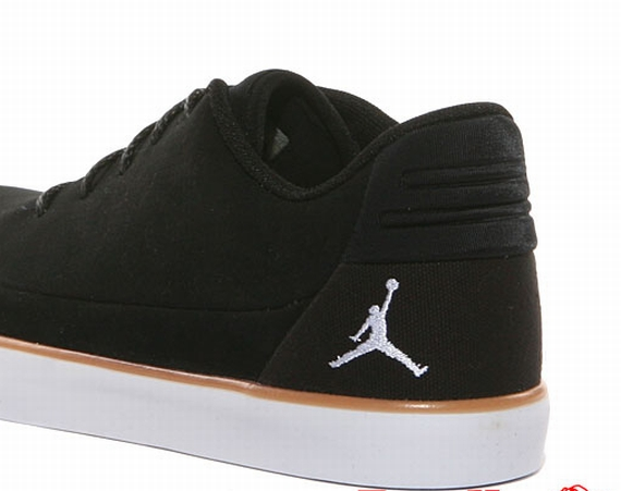 Jordan V.9 Grown Low: Black   White   Gum