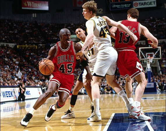 March 19th, 1995   Michael Jordan Scores 19 Points in Comeback Game