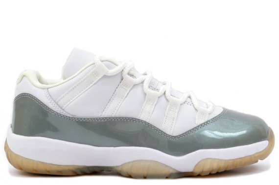 The Daily Jordan: Air Jordan XI Low WMNS   White   Metallic Silver   2001