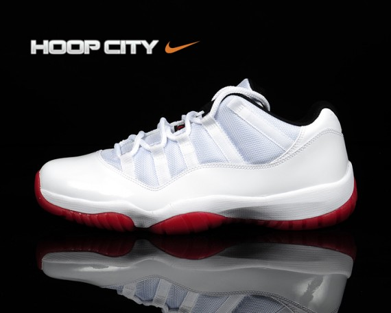 Nike Hyperfuse Low  Mens Basketball Shoes