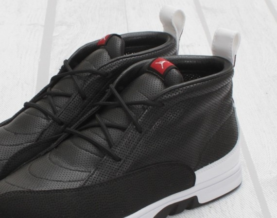 Air Jordan XII Clave: Black   White   Varsity Red 