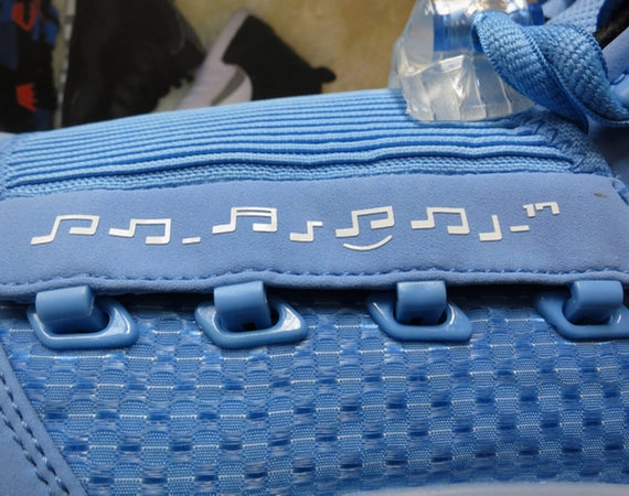 Air Jordan XVII: Pantone Sample   New Photos