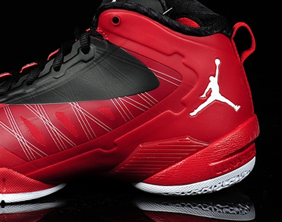 Jordan Fly Wade 2 EV: Gym Red   White   Black