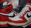 the-daily-jordan-air-jordan-1-og-white-black-red-1985-05