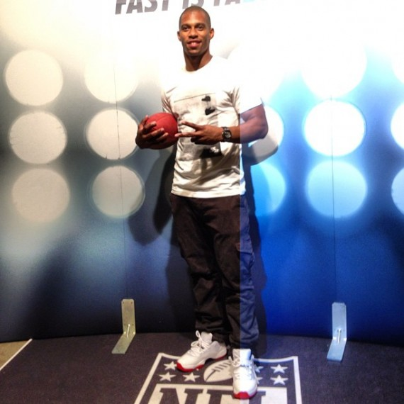 Victor Cruz Wearing Air Jordan XI Low White/Varsity Red