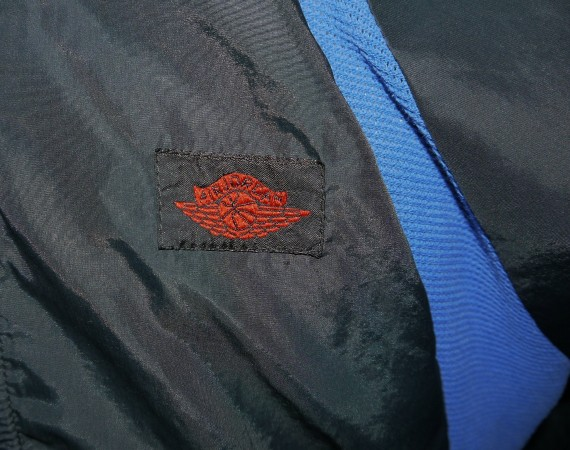Vintage Gear: Air Jordan 1 Black/Royal Flight Wings Jacket
