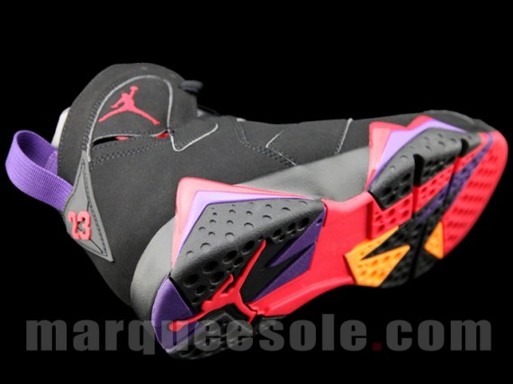 Air Jordan VII: Raptors   New Images