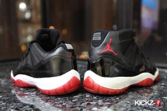 Air Jordan XI Low: Bred
