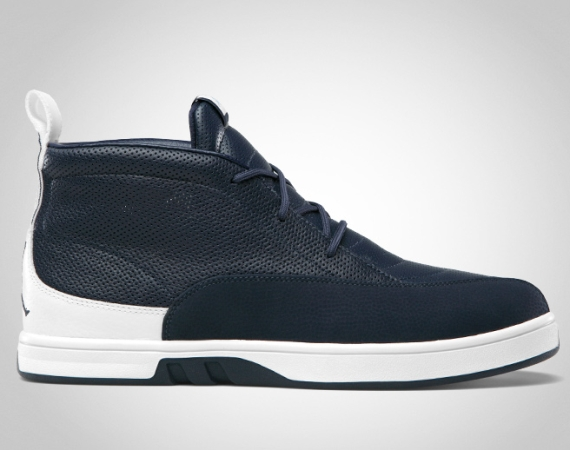 Air Jordan XII Clave: Obsidian   White   University Blue