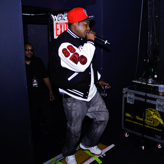 Jadakiss Wears Air Jordan XI Low White/Red