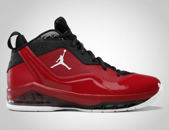 Jordan Melo M8: Gym Red   White   Black