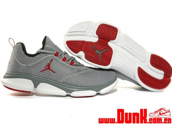 Jordan RCVR: Wolf Grey   Gym Red   Black