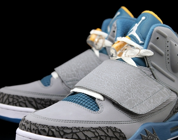 Jordan Son of Mars: Stealth   Blue   University Gold